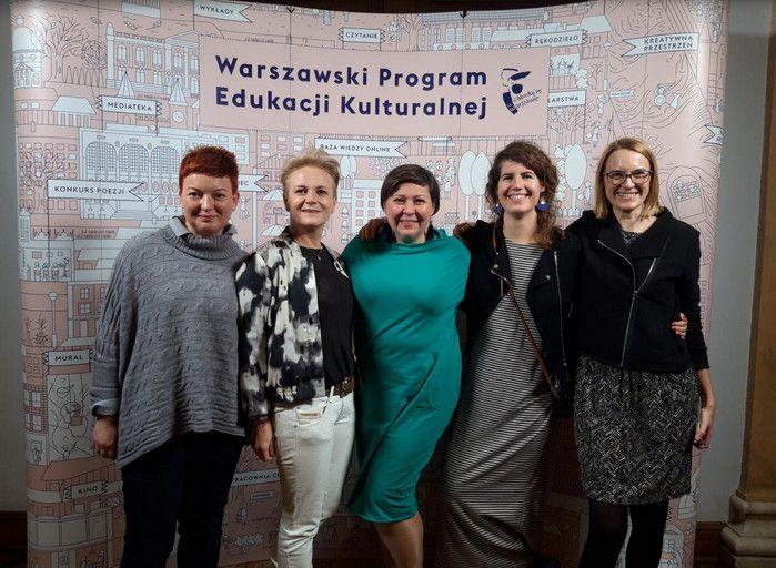 Na zdjęciu: Olga Gronowska-Pszczoła MOW nr 4, Małgorzata Minchberg artystka współpracująca z MOS nr 8 w Radosci, Agnieszka Molik MOW nr 2, Maja Dobiasz-Krysiak i Katarzyna Grubek z CEO.