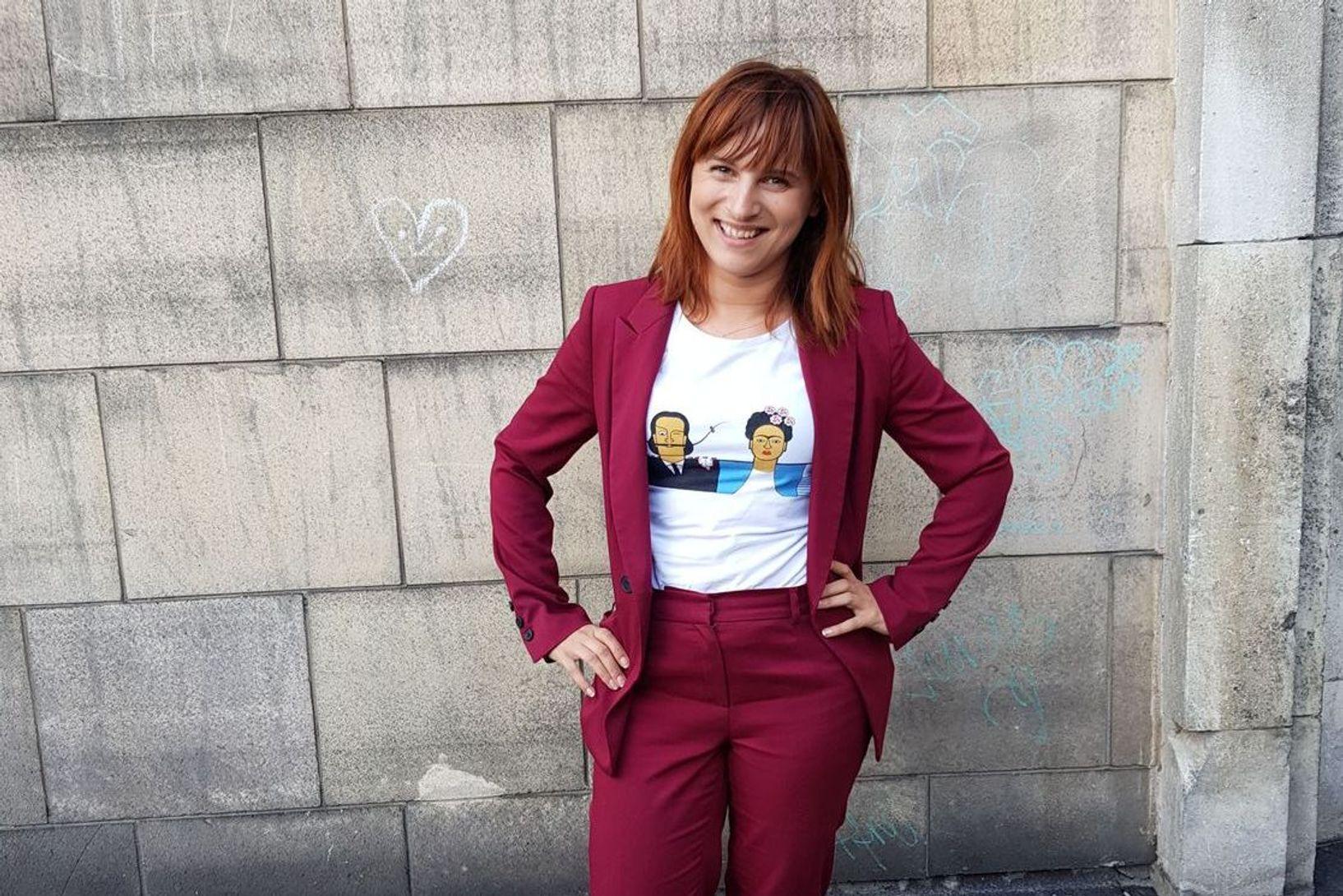 """Justyna Suchecka, dziennikarka TVN24, autorka książki """"Young Power. 30 historii o tym, jak młodzi zmieniają świat"""""""