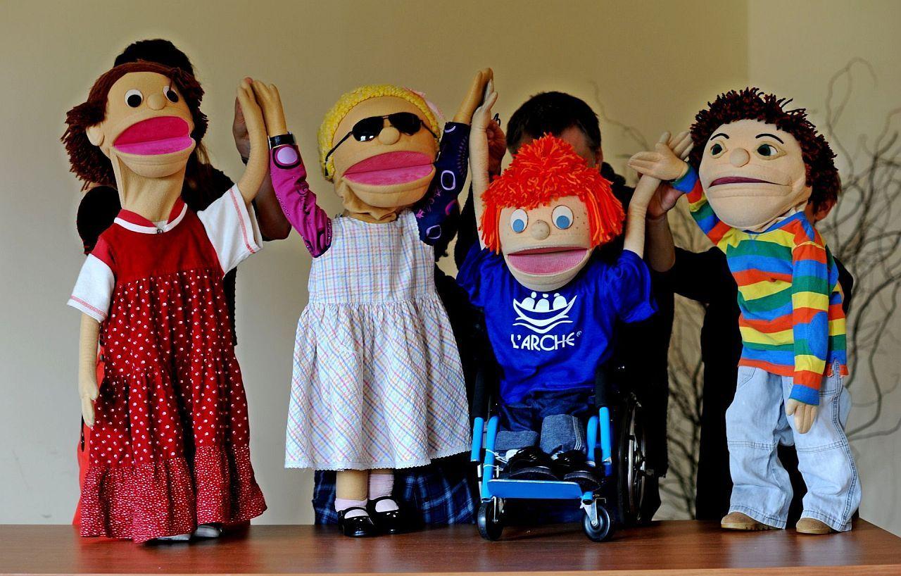 Fundacja L'Arche, warsztaty dla szkół oswajające temat niepełnosprawności