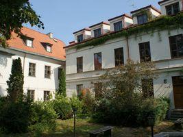 Miniatura Główna siedziba TNP przy pl. Narutowicza 8 w Płocku. Widok od strony ogrodu