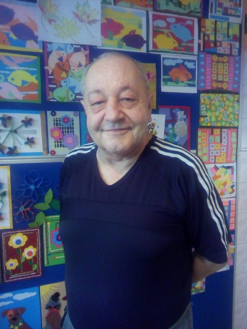 Paweł Ilecki - antropolog kultury, badacz zjawiska bezdomności, doktorant UW, rzecznik prasowy EAPN-Polska, aktor Teatru Bezdomnych.